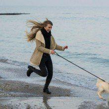 mujer-con-perro